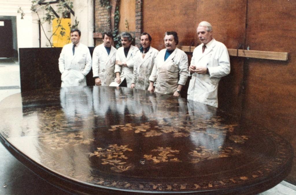table ds la cour